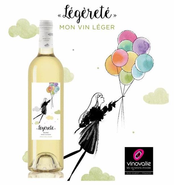 🎉Bonne fête à toutes les mamans !🎉⠀ Qu'elles aiment le vin blanc, rouge ou rosé, les mamans aussi aiment le vin ! 🍷⠀ ⠀ #fetedesmeres #vinovalie #legerete #vinleger #wine #wineaddict #winelover